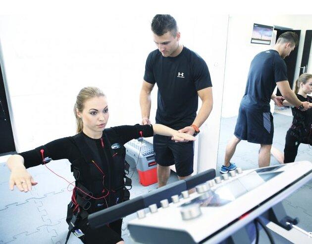 Bungee fitness, kalistenika i trening EMS, czyli co się teraz ćwiczy