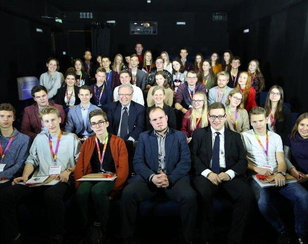 Młodzi inspirują! Fundacja Świętego Mikołaja wyłoniła tegorocznych uczestników Akademii Liderów