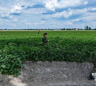 Żołnierze WOT szukają Dawida1.jpg