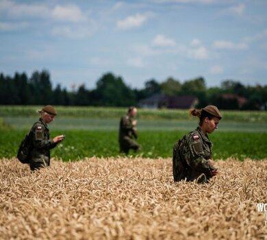 Żołnierze WOT szukają Dawida8.jpg