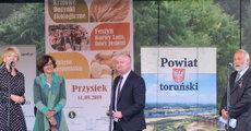 Wiceprezes Carrefour przemawia podczas Do_ynek Ekologicznych.jpg
