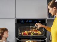 Dlaczego dzielone drzwi  w piekarniku pomagają sprostać kulinarnym wyzwaniom?