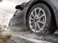 Jesienne deszcze zwiększają ryzyko aquaplaningu - ostrzega Nokian Tyres