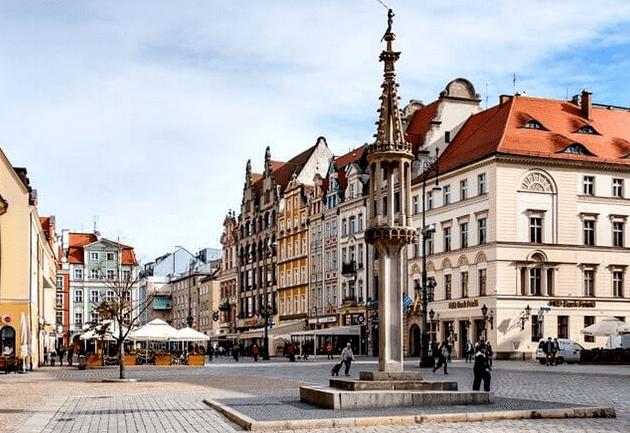 Workation – czy ten trend ma szansę przyjąć się w Polsce?