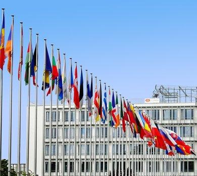 flags-1615129_1280.jpg