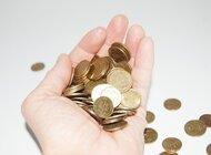 Będziemy oszczędzać coraz więcej. Dziś to średnio 14 proc. dochodów