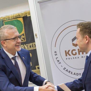 Marek Świder, dyrektor naczelny ZG Rudna i Marcin Dąbrowski, dyrektor Oddziału ZUS w Legnicy