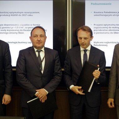 od lewej: Przemysław Nowak, Dyrektor ZH, Rafał Pawełczak, Prezes KGHM Polska Miedź S.A., Dariusz Blo