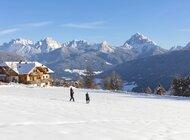 Niezwykłe tereny narciarskie w Południowym Tyrolu i farmy Roter Hahn w pobliżu