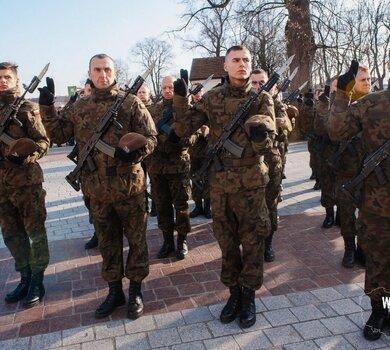 Leżajsk - przysięga żołnierzy 3PBOT