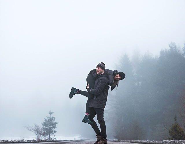 Porwij swoją ukochaną osobę na wyprawę w nieznane 💞 Najlepiej w Mitsubishi 😉________ 👋 @grepapiernik x @adam__szy 🚙 #MitsubishiEclipseCross 📸 @pporecki