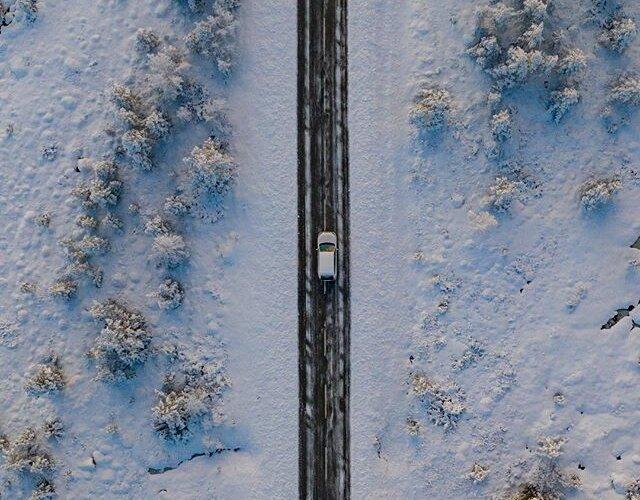 Podróż przez serce norweskiej głuszy 🇳🇴🌲 _________ 📸 @pporecki 🚙 #MitsubishiOutlander _________ Zobacz więcej zdjęć z naszej norweskiej wyprawy na 👉 www.mitsubishistories.pl