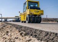 Układanie nawierzchni na budowie A1 Tuszyn-Piotrków