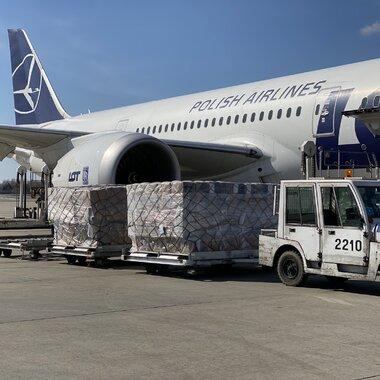 Kolejne samoloty za sprzętem medycznym zakupionym przez KGHM