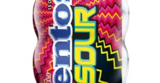 Mentos Sour Gum Strawberry Pocket Bottle 30g_1.png