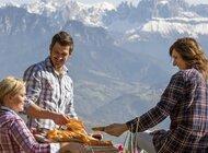 Bezpieczne i pełne wrażeń wakacje w 2020 roku? Kierunek: farmy Roter Hahn w Południowym Tyrolu