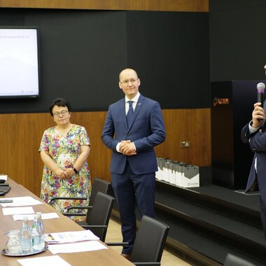 Spotkanie z przedstawicielami samorządów.JPG