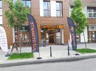 Carrefour testuje w sklepach franczyzowych innowacyjne automaty vendingowe z podgrzewanymi daniami na wynos