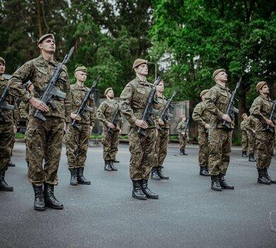 Przysięga żołnierzy 9ŁBOT w Zgierzu
