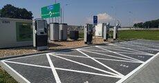 GreenWay_Polska_stacje_ładowania_i_magazyn_energii_wattbooster_Strzelce_Opolskie.jpg