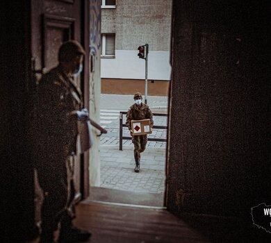 Żołnierze WOT wspierają dyrektorów szkół