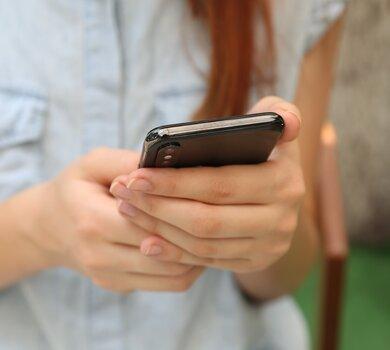 aplikacja_mobile_unsplash.jpg