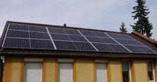 Instalacja fotowoltaiczna na dachu siedziby Pomorskiej Izby Gospodarczej.JPG