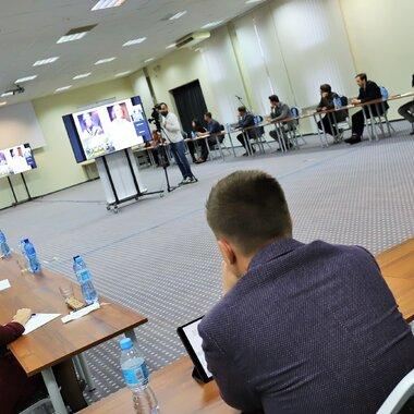 Uczestnicy Szkoły Przywództwa KGHM podczas zajęć