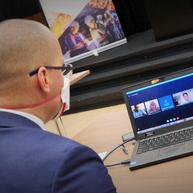 Spotkanie online w ramach programu APLO