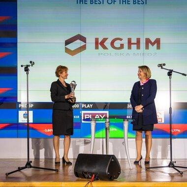 Wiceprezes  Katarzyna Kreczmańska-Gigol odbiera nagrodę, źródło Instytut Rachunkowości i Podatków