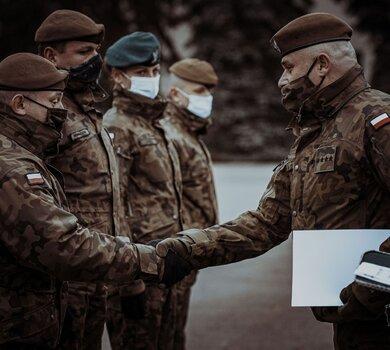 Zakończenie pierwszego kursu podoficerskiego SONDA dla szeregowych zawodowych