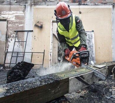Sprzątanie po pożarze w Kodniu