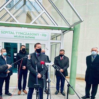 Wiceprezes A.Bugajczuk-Wałbrzych- Szpital Tymczasowy.jpg