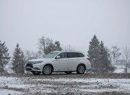 260 000 kilometrów - superbabcia za kierownicą Mitsubishi Outlandera PHEV