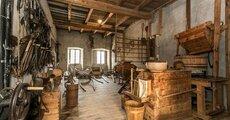 Roter Hahn_Ansitz Schloss Gravetsch 1.jpg