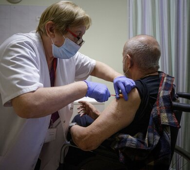 Wsparcie kombatantów w procesie szczepień