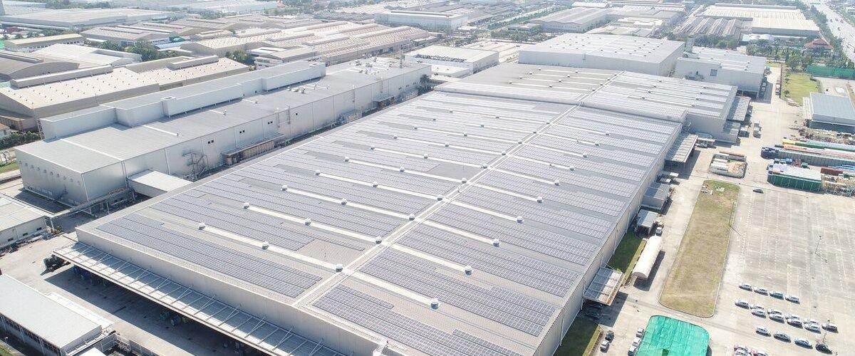 System fotowoltaiczny na dachu fabryki Mitsubishi Motors https://t.co/sVOkYgI1qc https://t.co/fty8gTPFNP