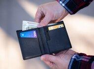54 proc. Polaków spłaca kredyt lub pożyczkę, ale tylko co 4. osoba sprawdza czy ją na to stać