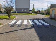 W Częstochowie powstało trójwymiarowe przejście dla pieszych. Miasto testuje nowe rozwiązania
