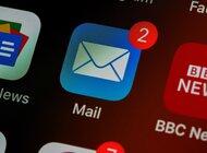 Służbowe sprawy Polaków na prywatnych e-mailach