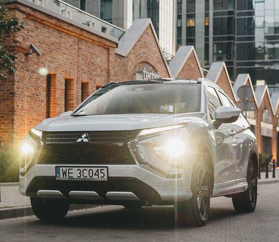 Wybierz się w podróż z nowym #EclipseCrossPHEV, odkryj trzy tryby jazdy: elektryczny, szeregowy lub równoległy i poznaj nowy wymiar wydajności aut plug-in 👉 https://bit.ly/Eclipse_Cross_PHEV ____________ Wszystkie modele #Mitsubishi...
