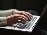 """Co w sieci piszczy? Pracownicy w Internecie sporo """"mówią"""" o pracodawcach"""