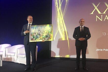 Adam Roman odbiera nagrodę Fair Play 2018.jpg