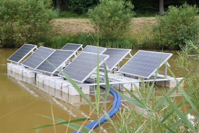 Fot. Energa Wytwarzanie - panele PV na wodzie - zbiornik w Łapinie.jpg