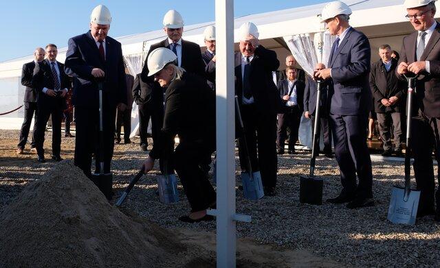 Wbicie pierwszej łopaty na budowie elektrowni Ostrołęka C.jpg