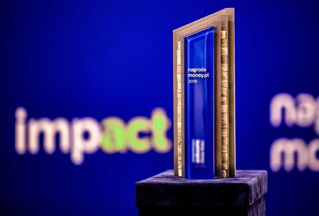 Nagroda money.pl_statuetka.jpg
