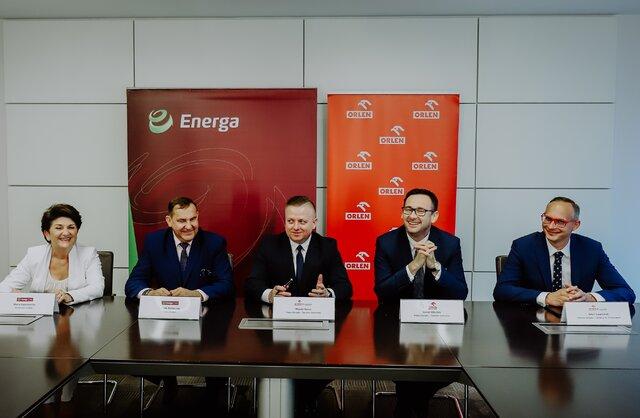 Podpisanie umowy między ENERGA Invest i ORLEN Projekt.jpg