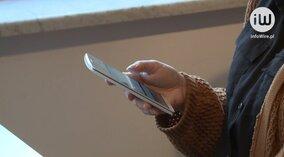 Co piąty uczeń nałogowo korzysta ze smartfona. Z powodu syndromu FOMO może cierpieć nawet 14% młodzieży