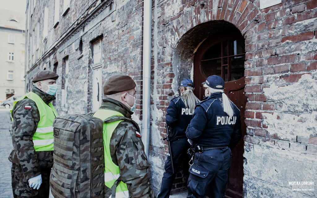 Żołnierze WOT wspierają Policjantów