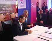 podpisanie umowy.jpg
